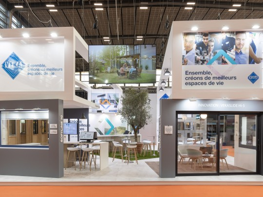 VEKA France booth at Equipbaie 2021