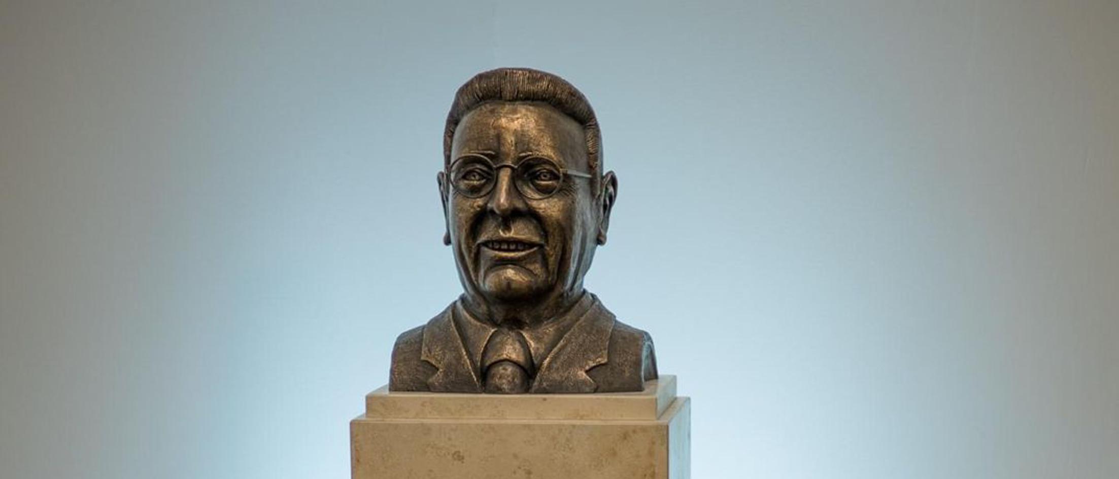 Bust of Heinrich Laumann